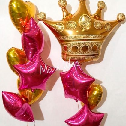 Фонтан с короной из воздушных шаров