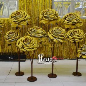 Лес цветов Золотые розы на свадьбу - аренда в сутки