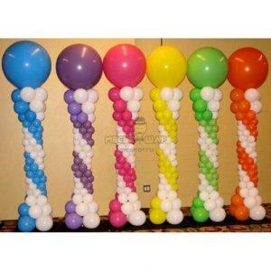 Стойка из воздушных шаров по цветам