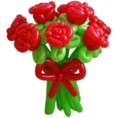 Красные розы из шаров