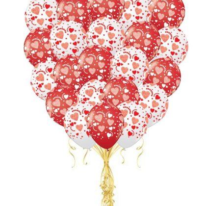 Облако из 30 шаров с сердцами