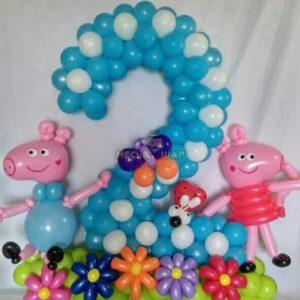 Цифра 2 и свинка Пеппа из шаров