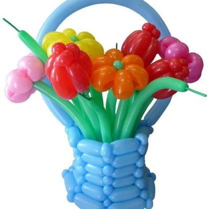 Корзина цветов из шаров