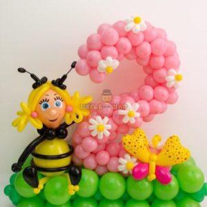 Цифра 2 с пчелкой из шаров