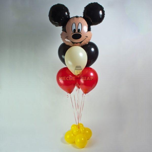 Фонтан из шаров с Микки Маусом