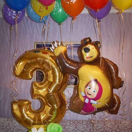 Маша и медведь с цифрой и шарами