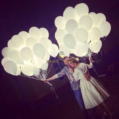 50 светящихся шаров
