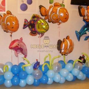Море с рыбками из шаров