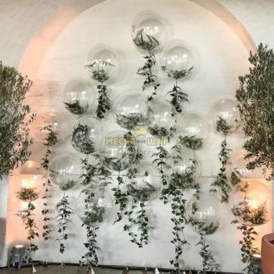 Стена из кристальных шаров баблс