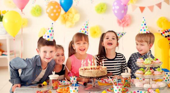 Как отметить день рождения ребёнка от года до 14 лет?