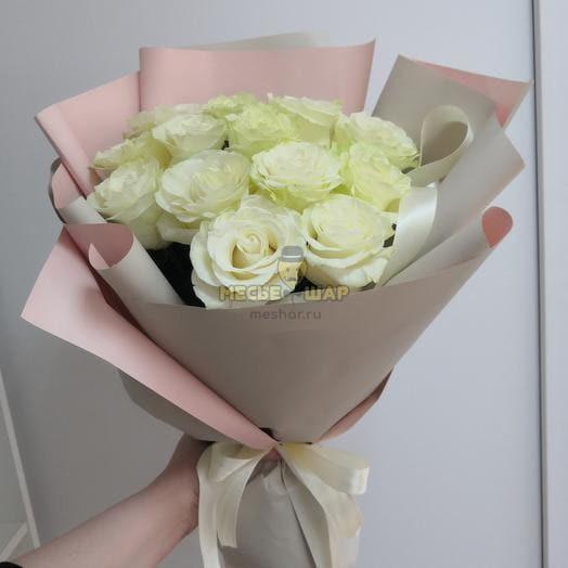 Букет белых роз 15 шт
