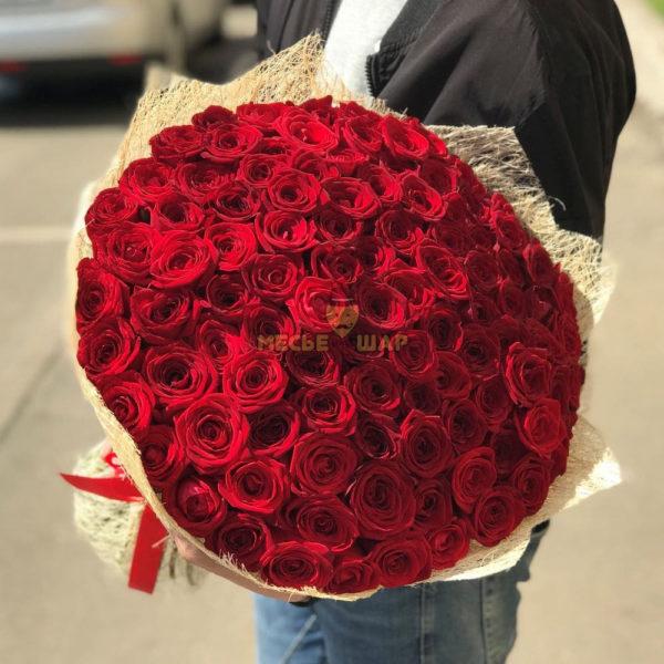 Букет красных роз 101 шт Россия