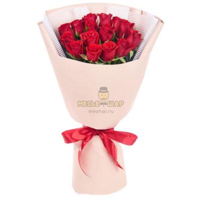 Букет красных роз 15 шт Кения