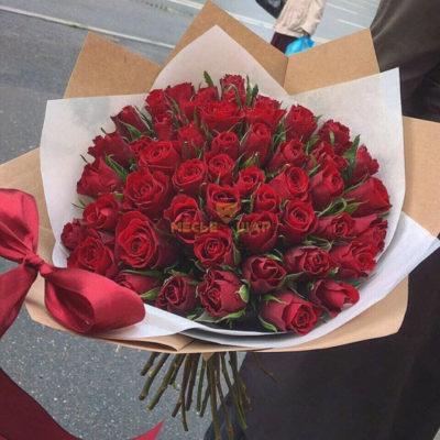 Букет красных роз 51 шт Кения