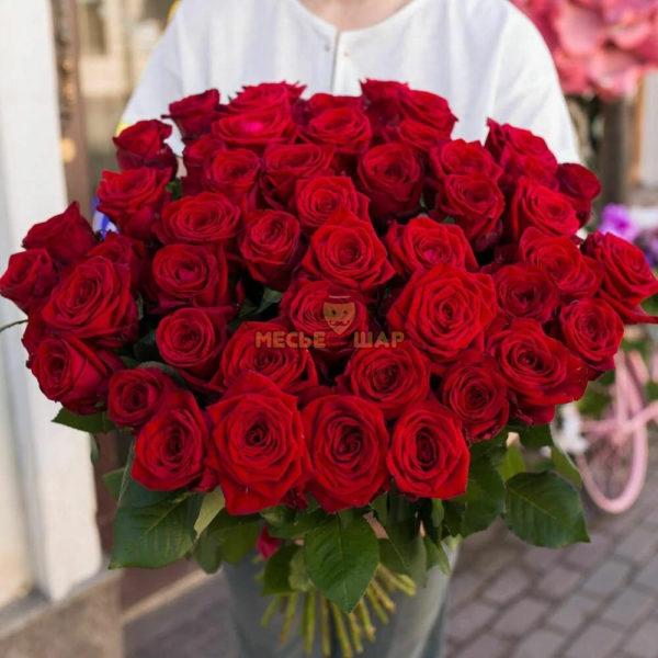 Букет красных роз 51 шт Россия