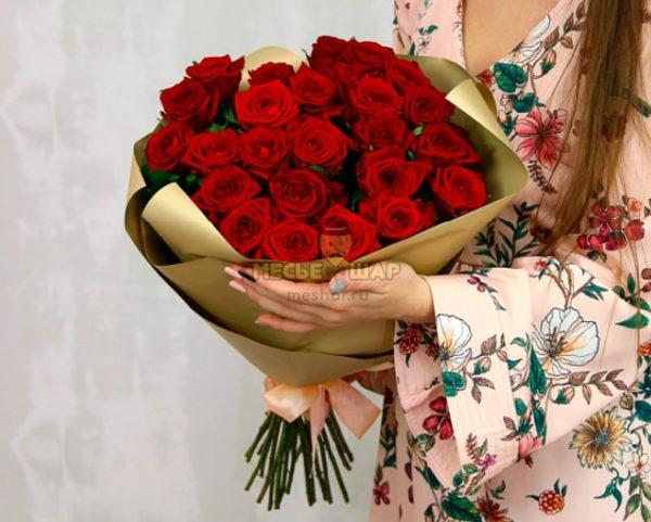 Букет красных роз 25 шт Россия 50 см