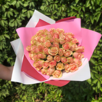 Букет нежно-розовых роз 51 шт Кения 50 см