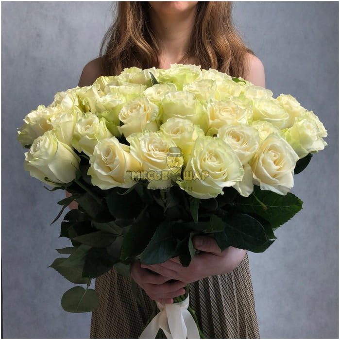 Букет белых роз 51 шт Эквадор 50 см