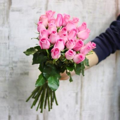Букет розовых роз 25 шт Кения 50 см