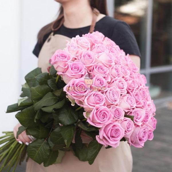 Букет розовых роз 51 шт Эквадор 50 см