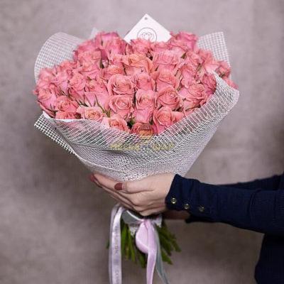 Букет розовых роз 51 шт Кения 50 см