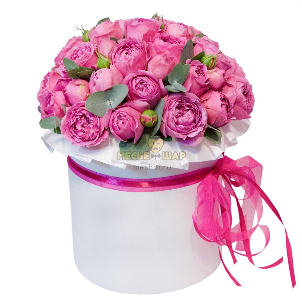 Цветы в коробке с 29 пионовидными розами