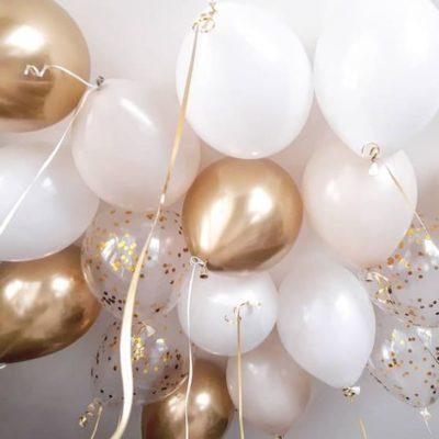 30 нежных шаров и хром золото